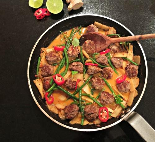 cutting curry